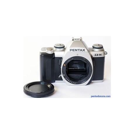 Cámara analógica Pentax MZM con lente zoom 35-80 y estuche